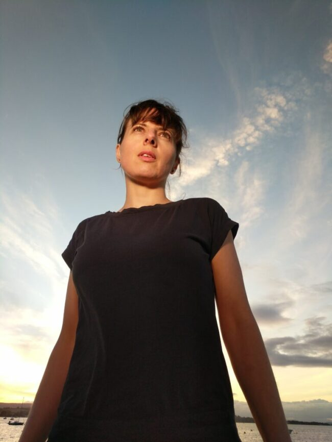 Zoe Konez Press Photo 6